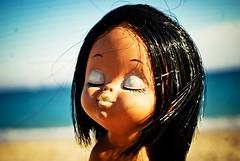 *PHOTO SOUS CADRE A VENDRE* >> Shiba (  Pounkie  ) Tags: sea portrait mer beach vintage toy doll shiba plage jouet poupe jouetvintage expobistrot12112014