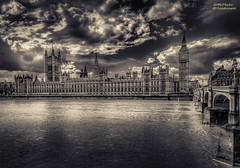Big Ben (mlphoto) Tags: england blackandwhite bw london pentax unitedkingdom housesofparliament bigben hdr themse toning pentaxk20d schawrzweis mlphoto mlphoto markuslandsmannzenfoliocom