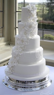 5 petal flower cascade cake