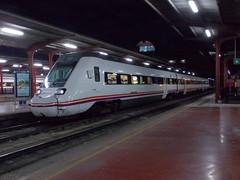 Renfe Media Distancia - 598.002 saliendo de Chamartin con destino Soria (CARLOS123456) Tags: de media soria saliendo destino con distancia renfe chamartin 598002