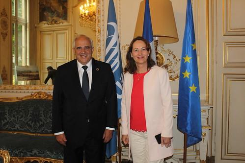 31 de mayo Encuentro con Ministra de Ambiente, Energía y Mar de Francia, Segolene Royal, en la se habló sobre la agenda horizontal a los  Consejos Ministeriales Sectoriales de UNASUR