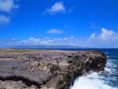 Lana'i from Makaluapuna Point (altfelix11) Tags: hawaii lava maui pacificocean kapalua lanai pahoehoe makaluapunapoint