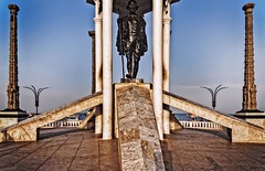 Mahatma Gandhi Statue, Pondicherry, India. (SUNA_PHOTOGRAPHY) Tags: india statue exploring theory gandhi pondicherry mahatma scrupture