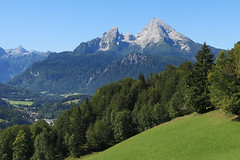 Germany - Watzmann (Michael.Kemper) Tags: voyage park blue mountain mountains alps travelling green berg canon germany bayern deutschland bavaria berchtesgaden is nationalpark hiking postcard hike berge national land usm np grn alpen blau efs f28 wandern reise wanderung 30d postkarte randonne 1755 bgl watzmann berchtesgadener canoneos30d canonefs1755f28isusm kneifelspitze