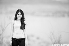 Charmaine (Eddie 11uisma) Tags: las vegas light portrait bw white lake 3 black canon is natural nevada explore l mead picnik lightroom 200mm f20
