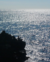 come  profondo il mare... (marcomarino) Tags: mare blu vacanze pescatore scogliera santatecla