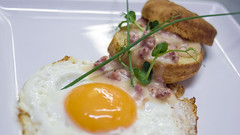 2012-03-03 Biscuits-n-Gravy (Tavallai) Tags: food paris cooking café egg brunch fried plat emperornorton oeuf coutume cusisine