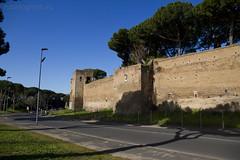 "Mura Aureliane • <a style=""font-size:0.8em;"" href=""http://www.flickr.com/photos/89679026@N00/6823556172/"" target=""_blank"">View on Flickr</a>"