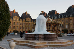 Fontaine glace sur la place ducale  Charleville (Jodaur) Tags: winter france cold ice water fountain eau frost place hiver ardennes february fontaine gel froid ducale glace charleville fvrier champagneardenne placeducale charlevillemzire