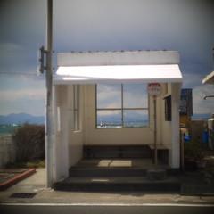 finder (tetsuo5) Tags: busstop jpg hayama 富士山 mtfuji horiuchi gf1 バス停 manahama 葉山町 堀内 pangenieux1inchf095 真名浜
