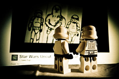 dude, what the... | 366/53 (angsthase.) Tags: trooper smile closeup toy toys lumix starwars pc shadows lego bricks alien stormtrooper dailylife schatten spielzeug legostarwars 2012  366 project365 fromwhereistand starwarsuncut lumixdmctz10