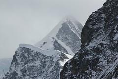 Walcherhorn und Gross Fiescherhorn ( BE - VS => 4` 049m => Fiescherhrner - Berg - Montain ) in den Alpen - Alps an der Grenze von Kanton Bern und Wallis - Valais in der Schweiz (chrchr_75) Tags: mountain mountains alps berg schweiz switzerland suisse swiss berge gross alpen christoph svizzera mrz berner 2012 1203 berneroberland oberland suissa chrigu fiescherhorn kantonbern chrchr hurni fiescherhrner chrchr75 chriguhurni hurni120303 mrz2012 chriguhurnibluemailch albumzzz201203mrz