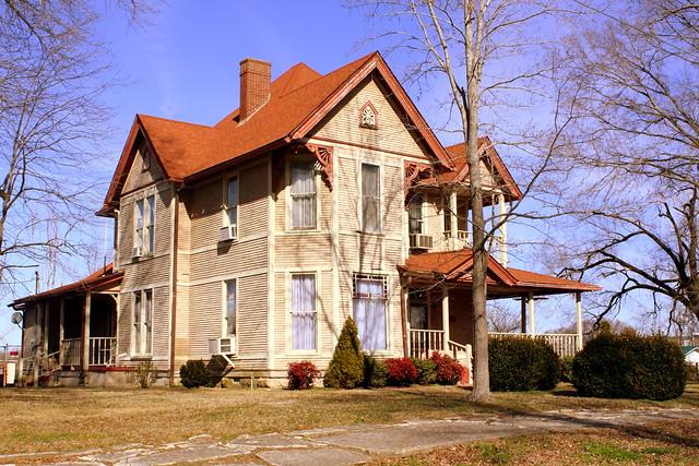 Neat house - Clifton, TN