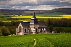 Eglise de Monchaux-Soreng (76) (Lucien Vatynan) Tags: green church yellow jaune olympus vert normandie normandy eglise colza seinemaritime hautenormandie epl1 mygearandme