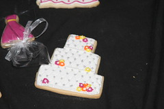 "wedding shower cookies • <a style=""font-size:0.8em;"" href=""http://www.flickr.com/photos/60584691@N02/6991604616/"" target=""_blank"">View on Flickr</a>"