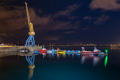 _LN11070 : plein pot sur les bateaux (Brestitude) Tags: city night port fishing ship crane flash brest bateau nuit ville grue elinchrom d700 rangerrx brestitude lemouillournevo