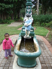 Thanda In Botanical Gardens (Chris Bloom) Tags: park girl southafrica child daughter botanic botanicalgardens durban kwazulunatal thanda siyamthanda