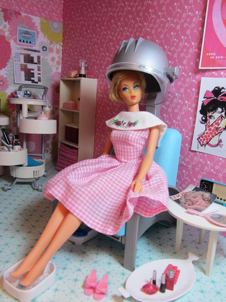 Barbie pantyhose playscale
