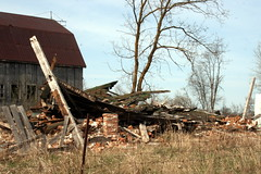 Collapsed House, Carmel Road, Stirling, ON_8352 (Bobolink) Tags: ontario stirling collapsedhouse