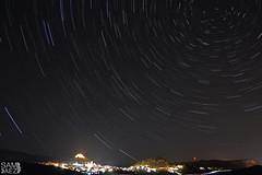 Circumpolar sobre Jalance (Valencia, Espaa) (Night photography and amateur astrophotography) Tags: longexposure astrofotografia estrellas nikond3200 circumpolar fotografianocturna