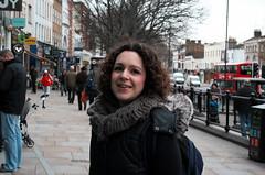 Angel, Islington (Rhisiart Hincks) Tags: portrait england london angel londres islington londra lontoo lloegr citystreet portread londyn llundain  brosaoz  lunnainn londain erretratu londrez poltred loundres londr  strydddinesig