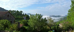 Brume du matin...... (brigeham34) Tags: france maisons rando eu arbres jardins auvergne brume clocher toits hauteloire stprivatdallier viapodiensis gr56 cheminsdecompostelle fz45 montsetvalles