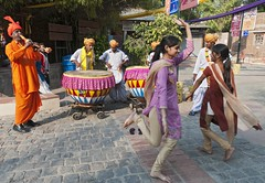 let's dance! (Dean Forbes) Tags: india musicians dancers delhi dillihaat