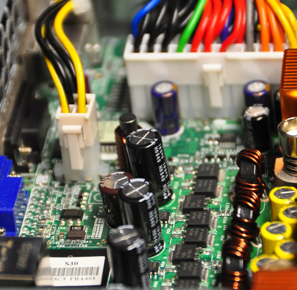 The Worlds Best Photos Of Capacitor And Circuit Flickr Hive Mind Capacitorcircuit Powering Internet Abdallahh Tags Computer Web Centre Motherboard Server