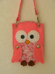 Pink Owl iPod (Allochka2012) Tags: ipod handmade sewing felt pouch owl button applique iphonecase