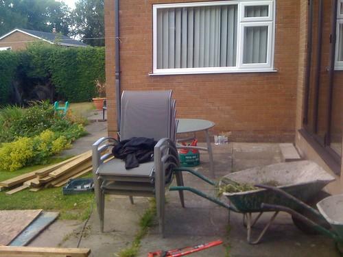 Hardwood Decking Alderley Edge - Modern Family Garden. Image 2