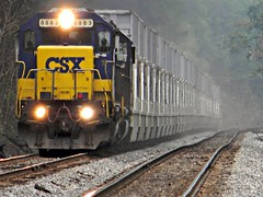CSX 8883 (Photo Squirrel) Tags: railroad train maryland locomotive csx freighttrain railroadcar montgomerycountymd emd sd402 csxt trashtrain freightcar metropolitansubdivision emdlocomotive barnsvillemd csxmetropolitansubdivision
