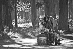Women in the Park (Beum Gallery) Tags: africa trees light tree fountain girl kid women downtown forrest lumière centre streetphotography morocco maroc maghreb capitale voile glance oldcity forêt centreville femmes rabat regard afrique walkingstreet candidportrait candidphotography capitalcities المغرب photographiederue المملكةالمغربية ต้นไม้ แอฟริกา ป่า ผู้หญิง islamicveil voileislamique المغرب โมร็อกโก walkingway มอง ทางเดิน ราบัต กรุงราบัต nouzhatibnsina ถ่ายภาพคน แววตา