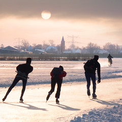 Some are just faster than speed skaters (Bn) Tags: winter sunset sun snow playing cold holland ice boys netherlands dutch sport speed three frozen zonsondergang natural skating hans freezing fast 7 surface nostalgia motorbike enjoy skate million motorcycle skater motor inline blade icy topf100 zon surfaces skates blades graden colder fever speedway waterland riders slee kou ijs schaatsen weer koud sharpened holysloot ijspret hendrick brinker elfstedentocht broek tafereel koek ransdorp 100faves vriezen natuurijs weilanden zunderdorp uitdam avercamp waterlandoost zopie ijzers hockeyen avercamps broekergouw