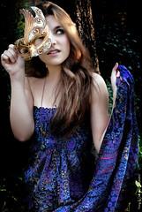 Bosque (NROmil) Tags: flores flower color luz girl mujer chica young bosque fantasia mascara bella mirada vestido belleza morado trove encantado dulzura regarde enmascarada recogido tiniebla