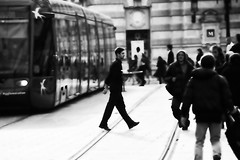. (Color-de-la-vida) Tags: tram montpellier barman placedelacomédie agglomération colordelavida bousculade quelio capitulodeunavidaflotante