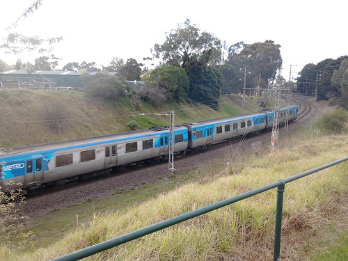 Citybound train near Melbourne Zoo