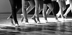Ballet - Elas Bailarinas (Marcelo Seixas) Tags: show people ballet woman art love students girl beautiful muscles canon wow gold star dance ballerina bravo perfect arte dancing artistic action danza mulher young surreal best linda tanz barefoot balance performace lovely tones dança pieds jovem ballo roraima palco tons balletslippers perfeito boavista cady passo balet ballerinas balett apresentação maravilha balé espetáculo pidi musculos perfeição balerina decalza descalça ballerino descalza bailarino piedsnus danze piedinudi baletki scalza bailariana baletka baletky balletmoderno