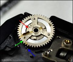 Kalloflex Transport & Counter Mechanism (05) (Hans Kerensky) Tags: kowa kalloflex transport stop counter mechanism problem repair removed wheel