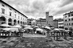 Arezzo - Piazza Grande (carlo tardani) Tags: bw vintage piazza toscana mercato bianconero arezzo piazzagrande blackandwhitephotos fieraantiquaria bestcapturesaoi elitegalleryaoi nikond750