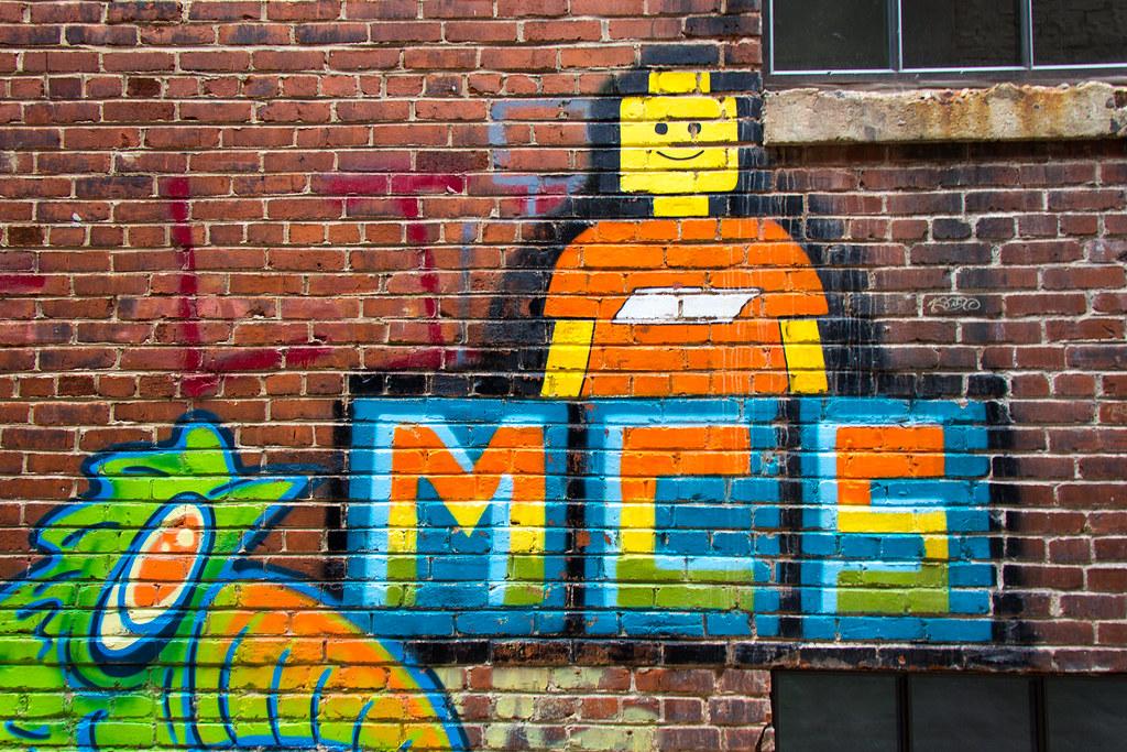 Knoxville Tn Artist Muralist Lisa The World S Newest