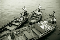 Waiting for passengers (Khoa NH) Tags: life travel sunset people river relax boat small wave streetlife vietnam stop wait passenger cantho