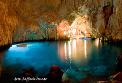Cave esmerald : Conca dei Marini (SA) Italy (Torrelunapescablu) Tags: blue reflection water rock reflections underground pull boat colorful natural lagoon cave through geology submerged caving multicolored stalagmite emerald amalfi salerno dei stalactite costiera calcite conca marini turism turist amalfitana attractiveness