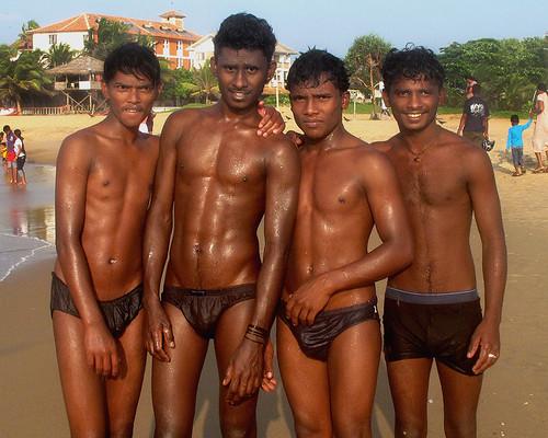 sri-lanka-topless-beaches