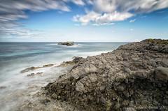 Buscando rincones nuevos (Carlos J. Teruel) Tags: mar mediterraneo murcia nubes rocas lightroom marinas d300 lr4 xaviersam singhraydarylbensonnd3revgrad leebigstopper carlosjteruel polarizadorlee105