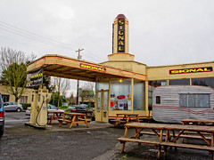 2012-02-11 From another time... (Mary Wardell) Tags: oregon canon vintage portland stjohns gasstation signal g12