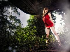 red hot (Isidr Cea) Tags: girl chica modelo ruinas sesion acorua zuiko1454 martavazquez olympuse3 isidrocea isidroceagmailcom
