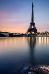 Paris's beach (Beboy_photographies) Tags: paris france seine contrast colorful tour lumire eiffel reflet pont hdr matin fleuve photographies beboy