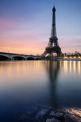 Paris's beach (Beboy_photographies) Tags: paris france seine contrast colorful tour lumière eiffel reflet pont hdr matin fleuve photographies beboy
