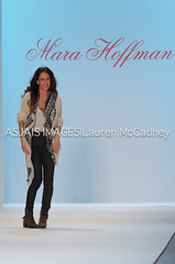 Mercedes-Benz Fashion Week Fall 2012 - Mara Hoffman (Photo) (LMacPhoto) Tags: nyc newyorkcity model fashionshow catwalk glamourous flowingfabric mercedesbenzfashionweek marahoffman ethnicprints ethnicmodel handmadefabric africanamericanphotographer laurenmccadney laurenmccadneyphotography fall2012 asjaisimages collectionrunway