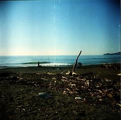 Chiavari (Janna Colella) Tags: film mediumformat lomo mare liguria fiume chiavari lubitel166u 120mm pellicola entella medioformato fiumeentella